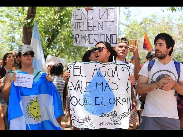 """""""El agua vale más que el oro"""" Sostiene el pueblo mendocino"""