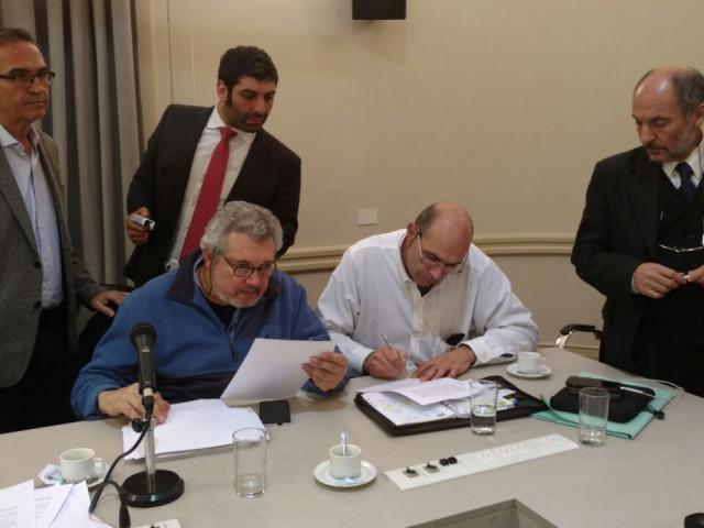 Firma acuerdo paritario